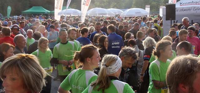 Als Bürgermeister Andreas Rüther am Mittwoch um 19.05 Uhr die insgesamt 596 Läuferinnen und Läufer beim 2. AOK-Firmenlauf an Arminias Wohnzimmer- der SchücoArena – auf die Reise geschickt hatte, da […]