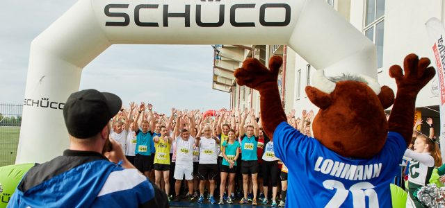 Bielefeld (rob). Einen Teilnehmerrekord verzeichnet der Schüco Sports Firmenlauf, der am Donnerstag an der SchücoArena der Arminen gestartet wird. 2.350 Läuferinnen und Läufer, rund zehn Prozent mehr als im Vorjahr, […]