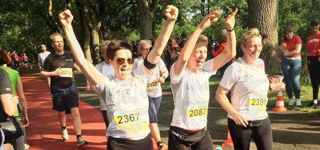 Der Sparrenburg-Firmenlauf feierte am Mittwoch eine glänzende Premiere – der schöne Sommerlaufabend an der Promenade wurde ein großer Erfolg. Rund 2.000 Läuferinnen und Läufer aus über 120 Firmen beteiligten sich […]